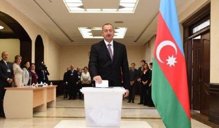 Azərbaycan prezidenti və ailə üzvləri səs verdi