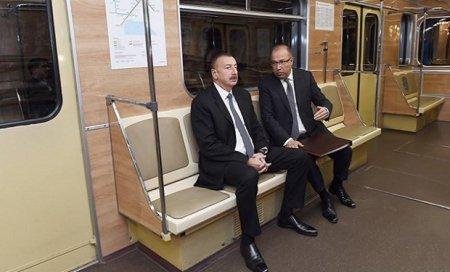 İlham Əliyev metroda — FOTOLAR