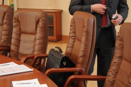 SON DƏQİQƏ: İqtisadiyyat, xarici işlər və maliyyə nazirləri istefaya göndərildi – ÖLKƏ ÇALXALANIR