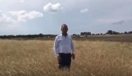 İcra başçısı bütöv bir kəndi cəzalandırır – Video