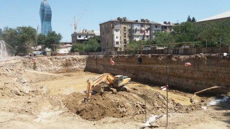 ETSN-nin nəzərinə: Nərimanovda 100 ağac bir gecəyə qırıldı -VİDEO