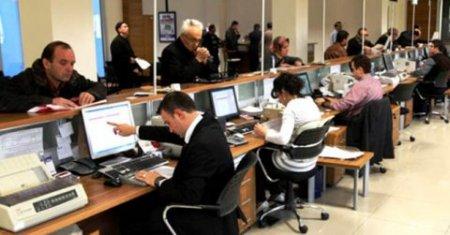 Avtomobillərə görə rüsumlar qaldırıldı - Dəyişikliklər qəbul edildi: Ofisiant və bərbər də vergi verəcək