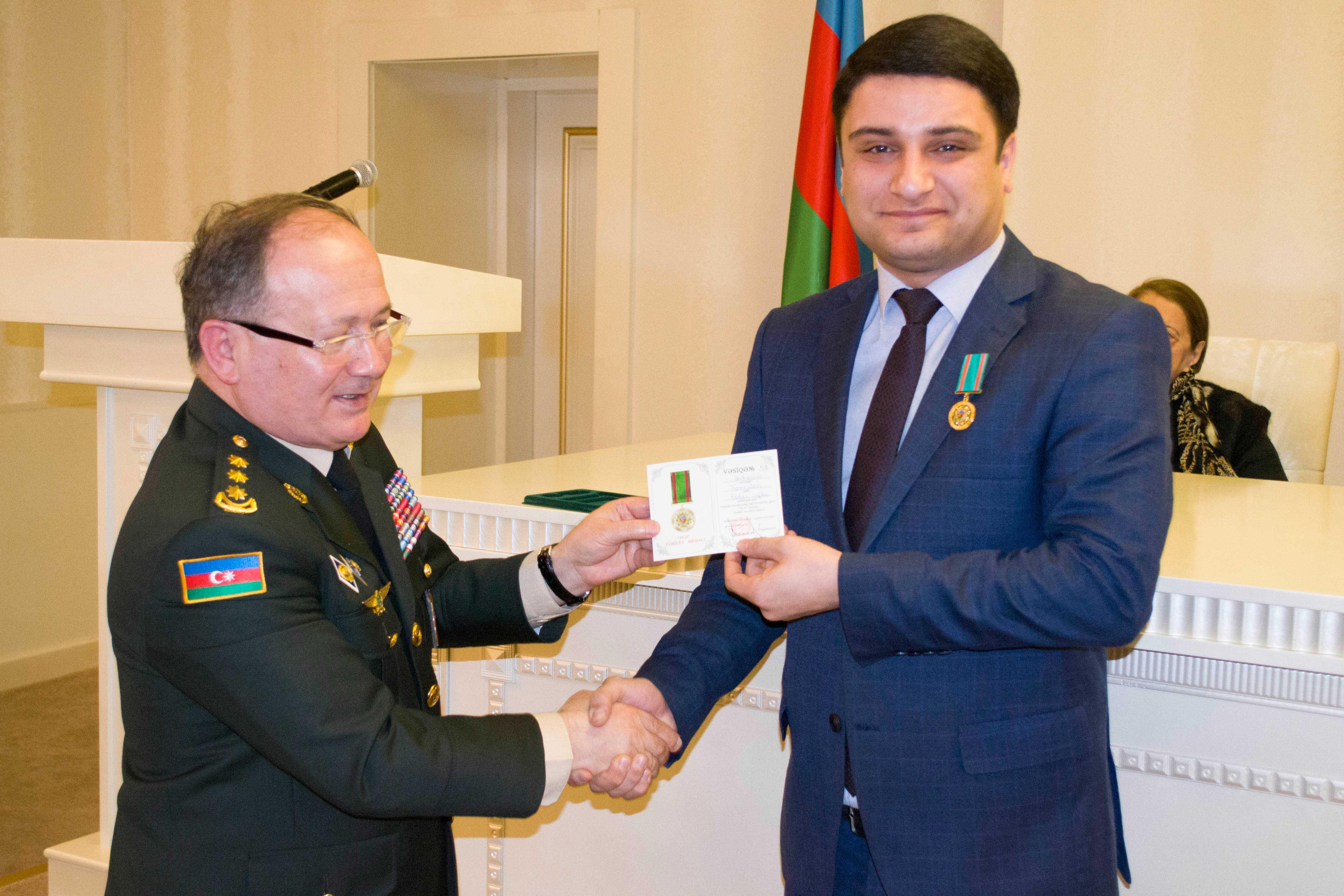 Mətbuat Xidmətinin rəhbəri yubiley medalı ilə təltif olunub