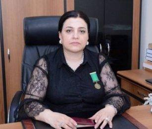"""Bakı İqtisadiyyat və Humanitar Kollecində bacıların """"rüşvət ansamblı"""" -Adlar/İddialar..."""