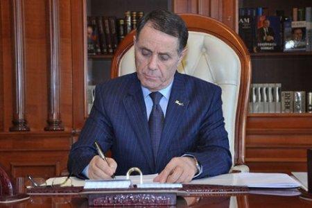 Novruz Məmmədov qərar imzaladı
