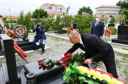 İlham Əliyev Naxçıvanda Vətən müharibəsi şəhidlərinin məzarlarını ziyarət edib - FOTO